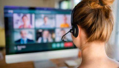 ऑनलाइन क्लास को बंद करना भूल गये टीचर, अचानक करने लगे पत्नी के साथ रोमांस, वीडियो हुआ वायरल