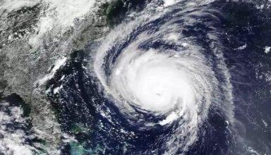 अलर्ट : Cyclone Yaas ने पकड़ी रफ्तार, इन 20 जिलों में मचा सकता है तबाही, NDRF और नेवी तैनात