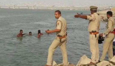 अयोध्या : सरयू नदी में स्नान करते वक्त एक ही परिवार के 12 लोग डूबे, 6 सुरक्षित, 6 अभी भी लापता, रेस्क्यू ऑपरेशन जारी