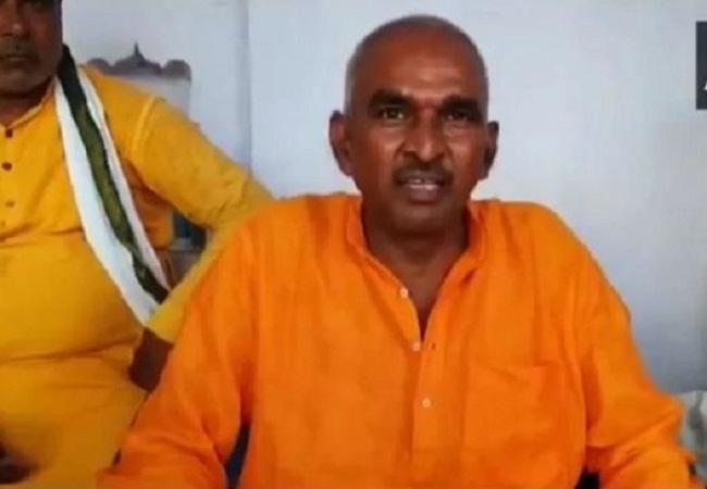 बीजेपी विधायक सुरेंद्र सिंह का विवादित बयान, अखिलेश को बताया औरंगजेब तो ममता को बताया लंकिनी