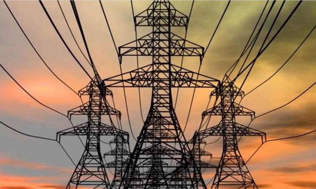 UP में नहीं बढ़ेंगी बिजली की दरें, योगी सरकार ने उपभोक्ताओं को दी बड़ी राहत