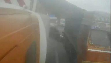 वायरल हो रहा मुंबई-पुणे एक्सप्रेस-वे पर दर्दनाक हादसे का वीडियो, पति-पत्नी और 4 साल के बेटे की मौत, …काट निकालीं लाशे