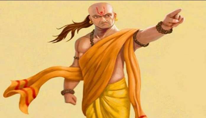 Chanakya Niti: अच्छे मित्र, भाई और पत्नी की कब होती है पहचान?, जानें क्या बताया है आचार्य चाणक्य ने