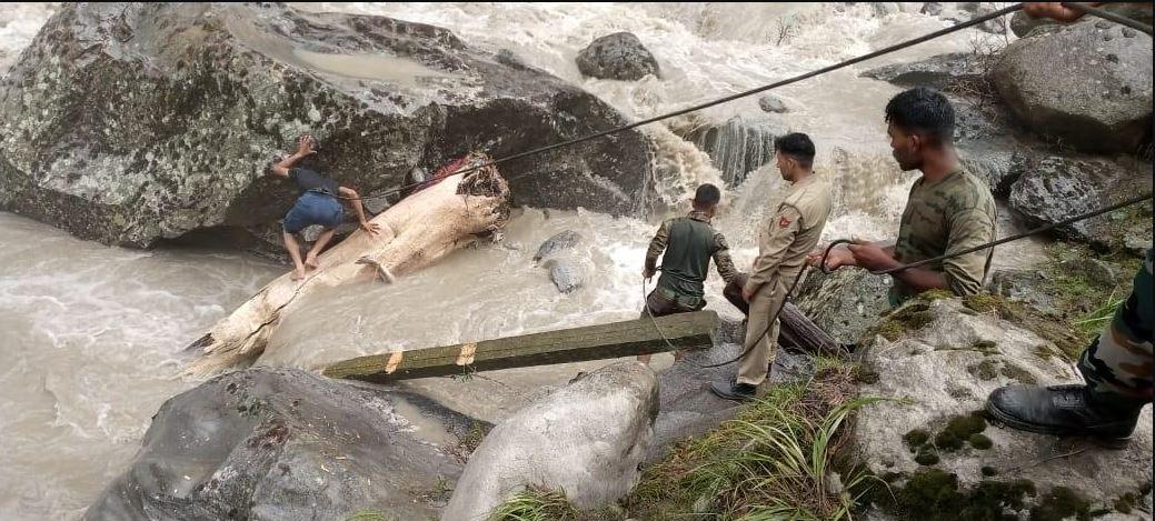 जम्मू-कश्मीर : अमरनाथ गुफा के पास अचानक बादल फटने से बढ़ा सिंधु नदी का जलस्तर, NDRF टीम मौके पर