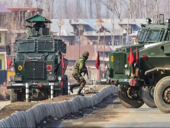 जम्मू-कश्मीर के शोपियां में CRPF पार्टी पर आतंकियों का हमला, एक जवान घायल, तलाशी अभियान जारी