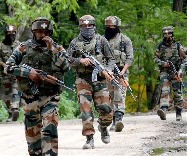 जम्मू-कश्मीर : सोपोर मुठभेड़ में सुरक्षाबलों की बड़ी कामयाबी, तीन आतंकी ढेर, अस्थायी रुप से बंद की गई इंटरनेट सेवा