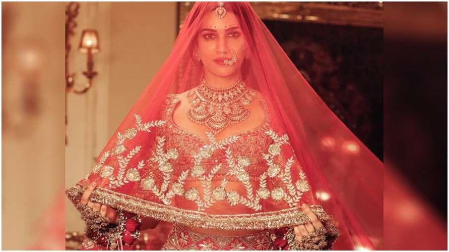 कृति सेनन ने गुपचुप तरीके से कर ली शादी! सोशल मीडिया पर वायरल हुई तस्वीरें…