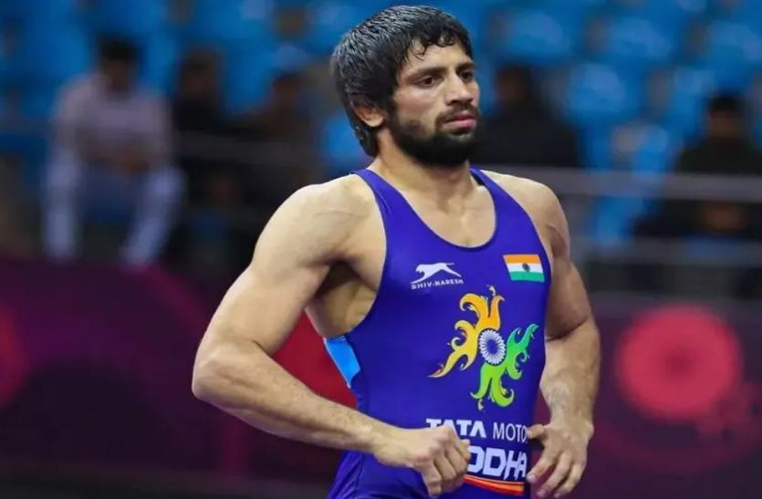 Tokyo olympics में सिल्वर पदक जीतने वाले दूसरे भारतीय पहलवान बने रवि दहिया, फाइनल में करना पड़ा हार का सामना