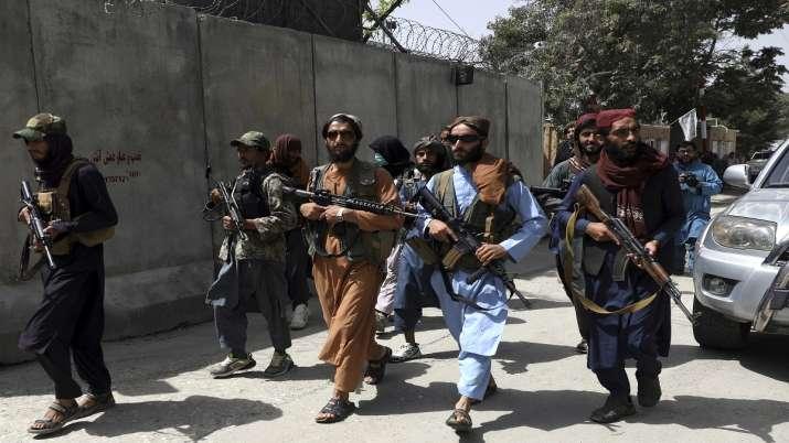 तालिबान की अमेरिका को चेतावनी, कहा- अब किसी अफगानी पेशेवरों को नहीं जाने देंगे देश से बाहर