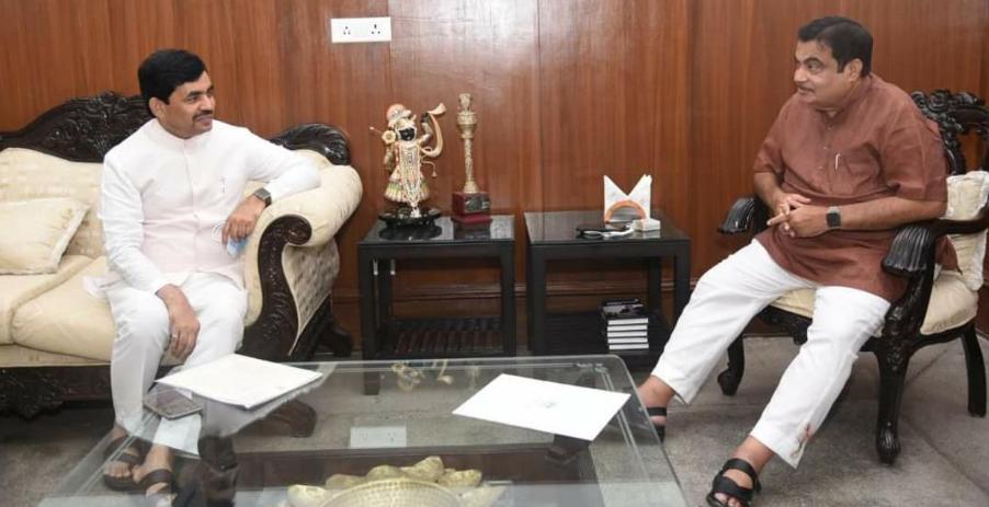 बिहार में उद्योग को नई ऊंचाईयों पर पहुंचाने में जुटे शाहनवाज़ हुसैन, लगातार कर रहे केंद्रीय मंत्रियों एवं उद्योगपतियों के साथ बैठक