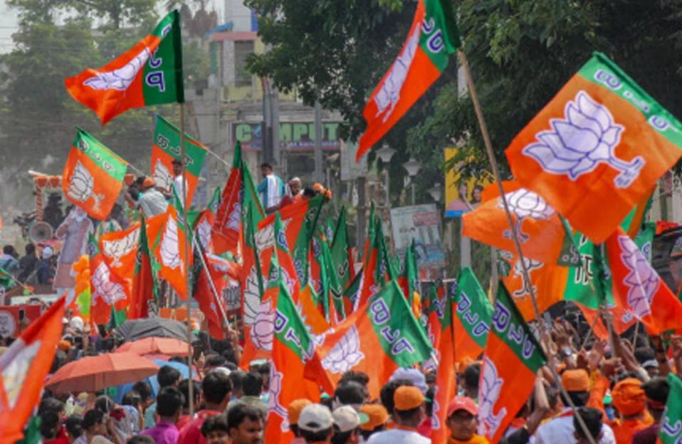 BJP  अगले एक महीने तक करेगी कई बड़े कार्यक्रम, योगी सरकार का काम गिनाने के लिए 19 को लगेगा चौपाल
