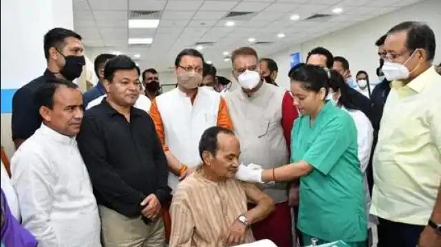 उत्तराखंड: कोविड वैक्सीनेशन में आई तेजी, धामीं सरकार ने अगस्त में 26 लाख से ज्यादा लोगो को लगाया टीका