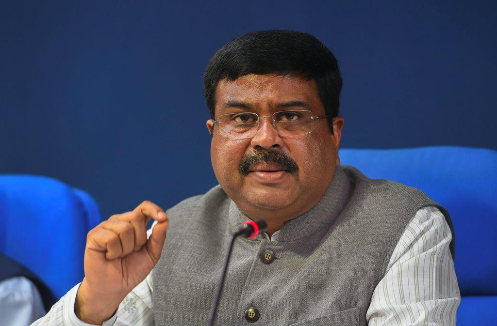 UP Election: 3 दिन की मैराथन बैठक के बाद धर्मेन्द्र प्रधान का बड़ा बयान, एक साथ चुनाव लड़ेगी बीजेपी-निषाद पार्टी