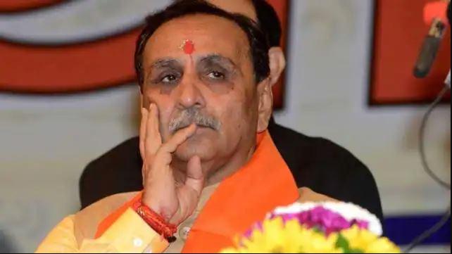 बड़ी खबर : गुजरात सीएम विजय रूपाणी ने दी अपने पद से इस्तीफा, कहा- ये भारतीय जनता पार्टी की परंपरा रही है…
