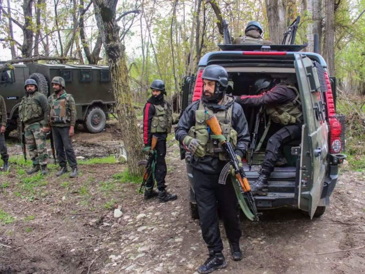जम्मू-कश्मीर के श्रीनगर में सुरक्षाबलों की बड़ी कामयाबी, नाकाम किया आतंकी साजिश, छह चाइनीज ग्रेनेड बरामद