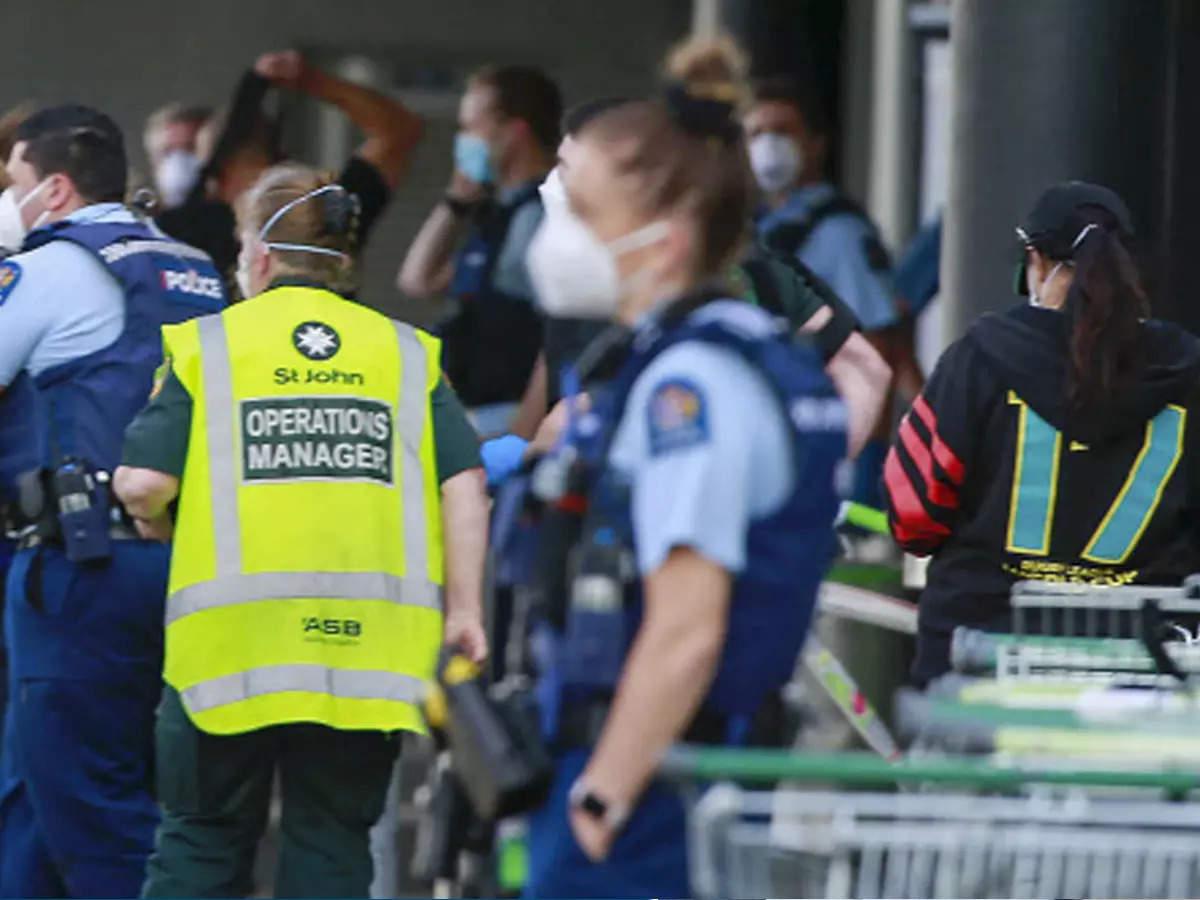 न्यूजीलैंड के एक मॉल पर ISIS के आतंकी का हमला, 6 लोगों को मारा चाकू, पुलिस ने किया ढेर