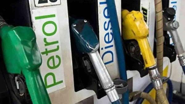 GST में शामिल नहीं होगा पेट्रोल-डीजल, जानिए क्या है आज राज्य और शहरों में पेट्रोल-डीजल की कीमत