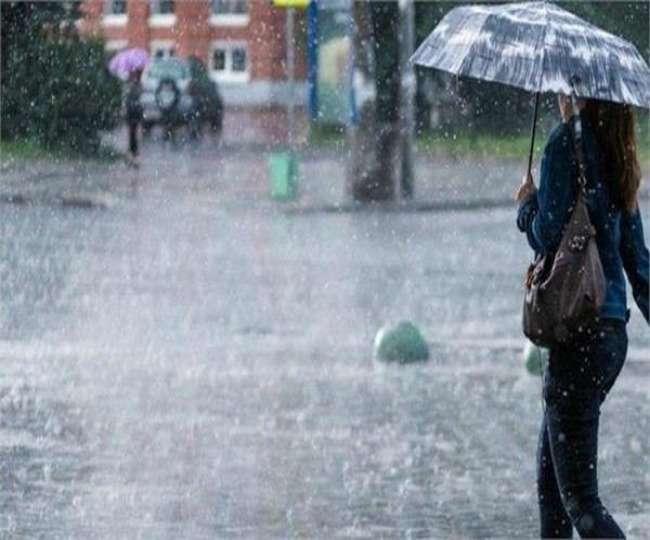 भारी बारिश से लखनऊ जलमग्न, कई इलाकों में भरा पानी, DM ने कहा- बहुत जरूरी न हो तो घर से बाहर न निकलें