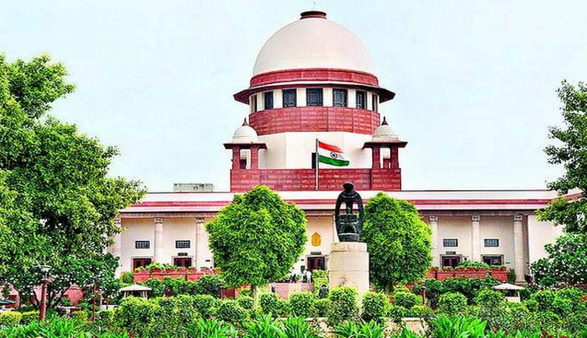 कोरोना के लगातार बढ़ते केस के बीच सुप्रीम कोर्ट का बड़ा फैसला, केरल सरकार के फैसले को पलटते हुए 11वीं की परीक्षा पर लगाई रोक