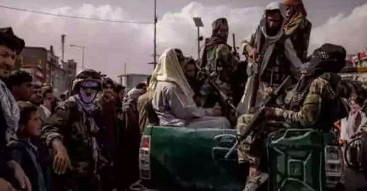 अफगानिस्तान के पंजशीर में फिर घमासान, अज्ञात सैन्य विमानों ने किए देर रात तालिबान के कई ठिकानों पर हमले, छिड़ा जंग