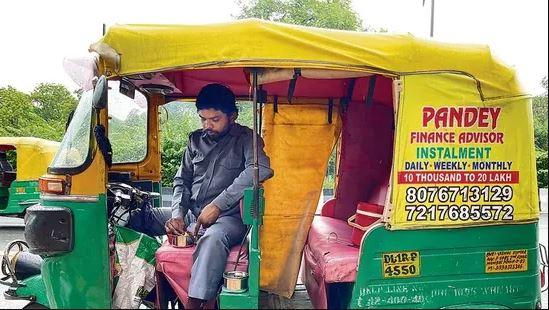 यात्री पर निर्भर करता है इस ऑटो चालक का खाना, घर के बाहर रहने पर भी नहीं खाता है बाहर का खाना; जानिए कैसे