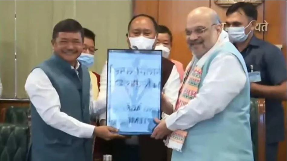 केंद्रीय गृह मंत्री अमित शाह की मौजूदगी में असम में हुआ ऐतिहासिक कार्बी आंलगोंग समझौता, 1000 कैडर्स ने डाले हथियार