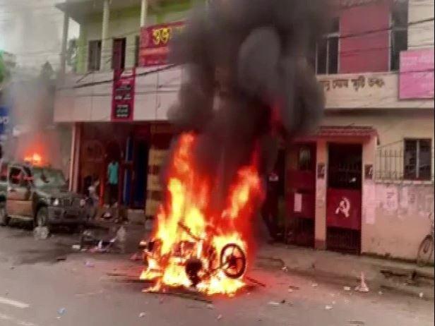 त्रिपुरा : बिना अनुमति लेफ्ट छात्रों ने निकाली रैली, BJP कार्यकर्ताओं से मारपीट, कई घायल