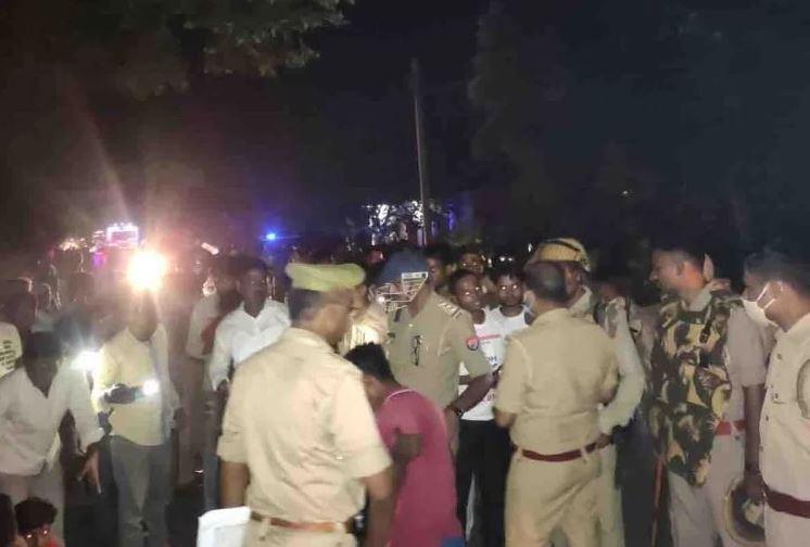 उन्नाव : सपा नेता के काफीले ने ली महिला की जान!, बेटे ने दर्ज कराया मुकदमा, जांच में जुटी पुलिस